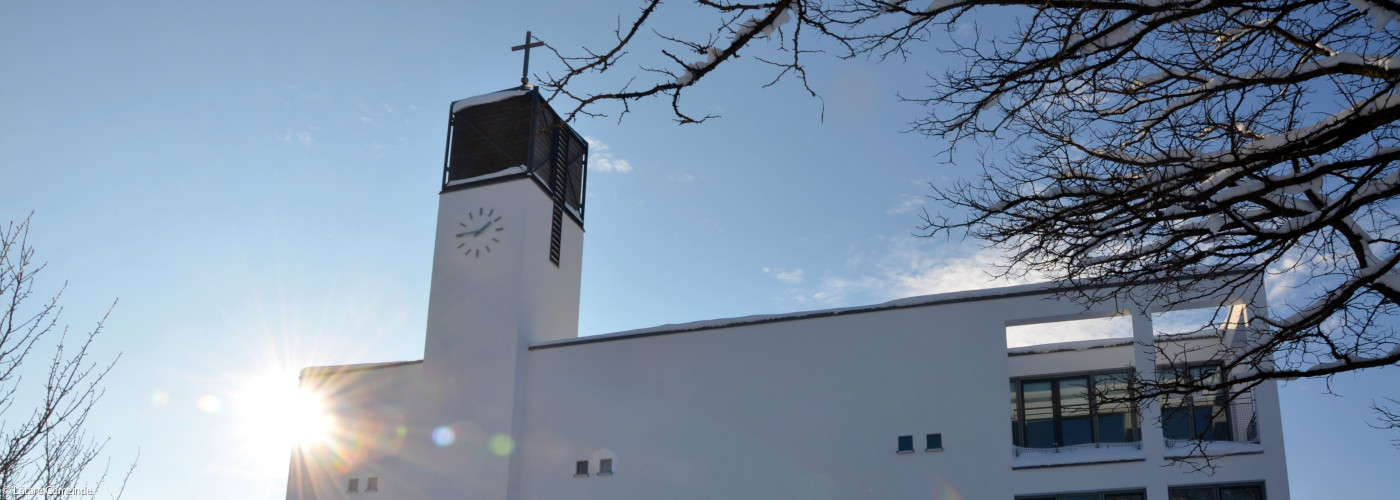 Sonne_hinter_Kirchturm